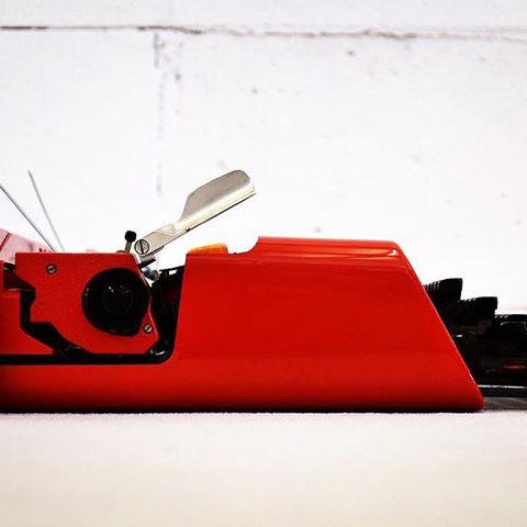 macchina da scrivere di design